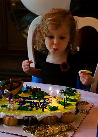 Baby G birthday cake Marirosa