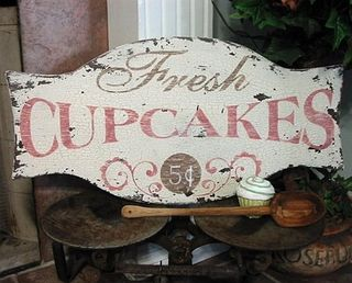 Fresh Cupcakes sign
