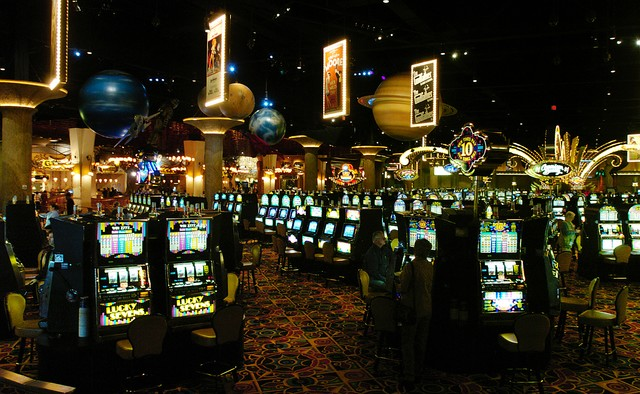 CT Races and Slots